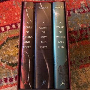 A Court of Thorns and Roses / Sarah J Maas Box Set